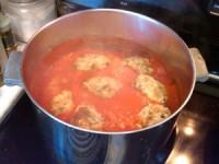 Polpette al sugo (meatballs in sauce)