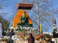 Jade Buddha receiving tributes